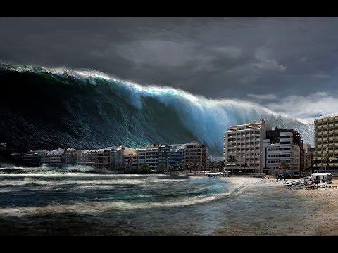 Risultati immagini per immagini di tsunami veri