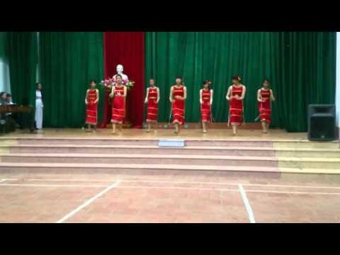 Bài múa Chiều lên bản thượng của Lớp10A7 THPT SC