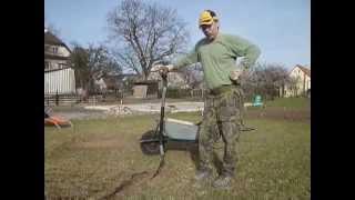 Pískování trávníku - metoda ruční radostné práce