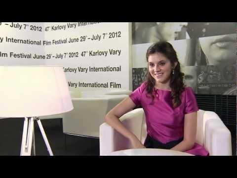 Rozhovor s Karou Hayvard / Interview with Kara Hayvard
