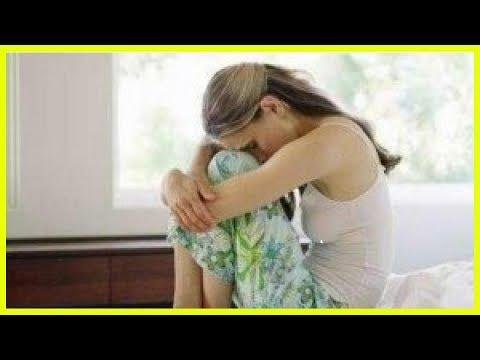 Живот болит перед месячными: почему возникают...