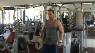 Tolódzkodás különleges fogással - mell edzés