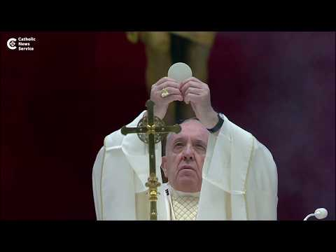 Pope thanks God for world's priests