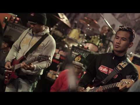 All Artist Adella : Lagu Pembuka Live Nongkojajar