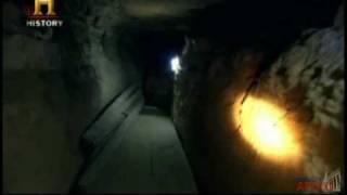 A Pirâmide de Djedefre - Pt02 - A camara mortuária.avi