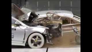 Краш-тест Chevrolet Malibu VS ретро-кар Chevrolet Bel Air