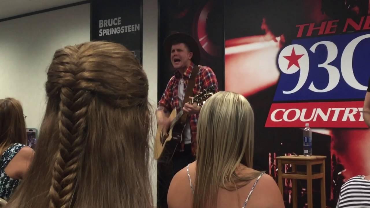 American Idol winner Trent Harmon - There\'s a Girl - YouTube
