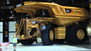 Biggest dumptruck in the world Caterpillar 797F