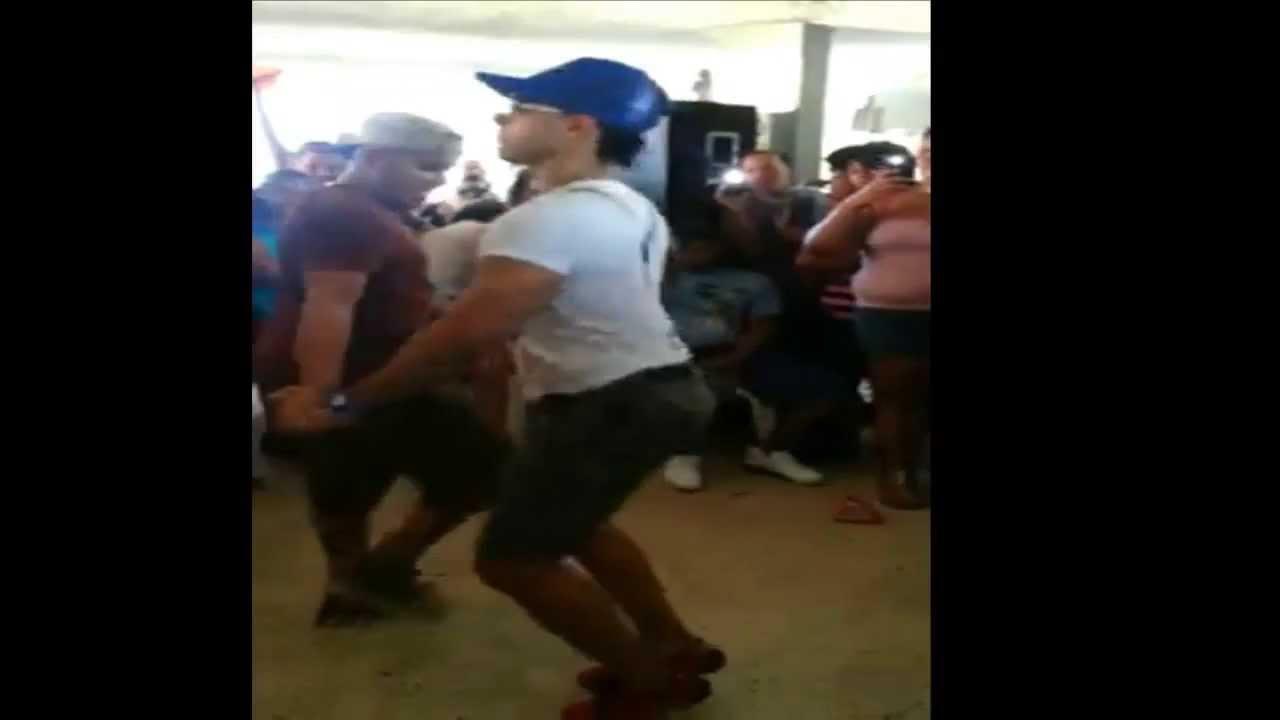 aficionado gay bailando