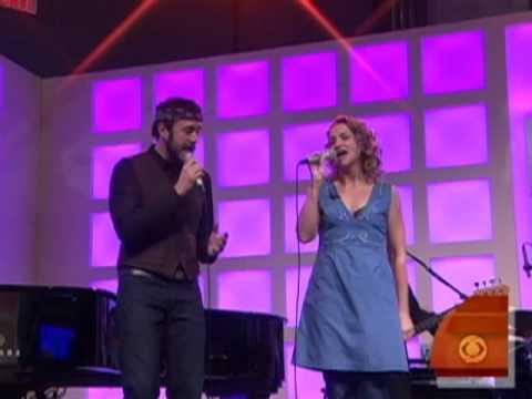 Joan Osborne Performs New Song