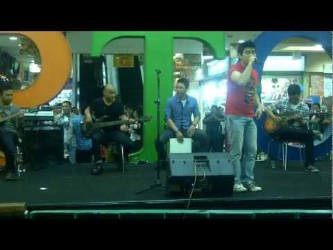 Elkasih - Kau Tigakan Cinta | Live Accoustik @PTC Jakarta