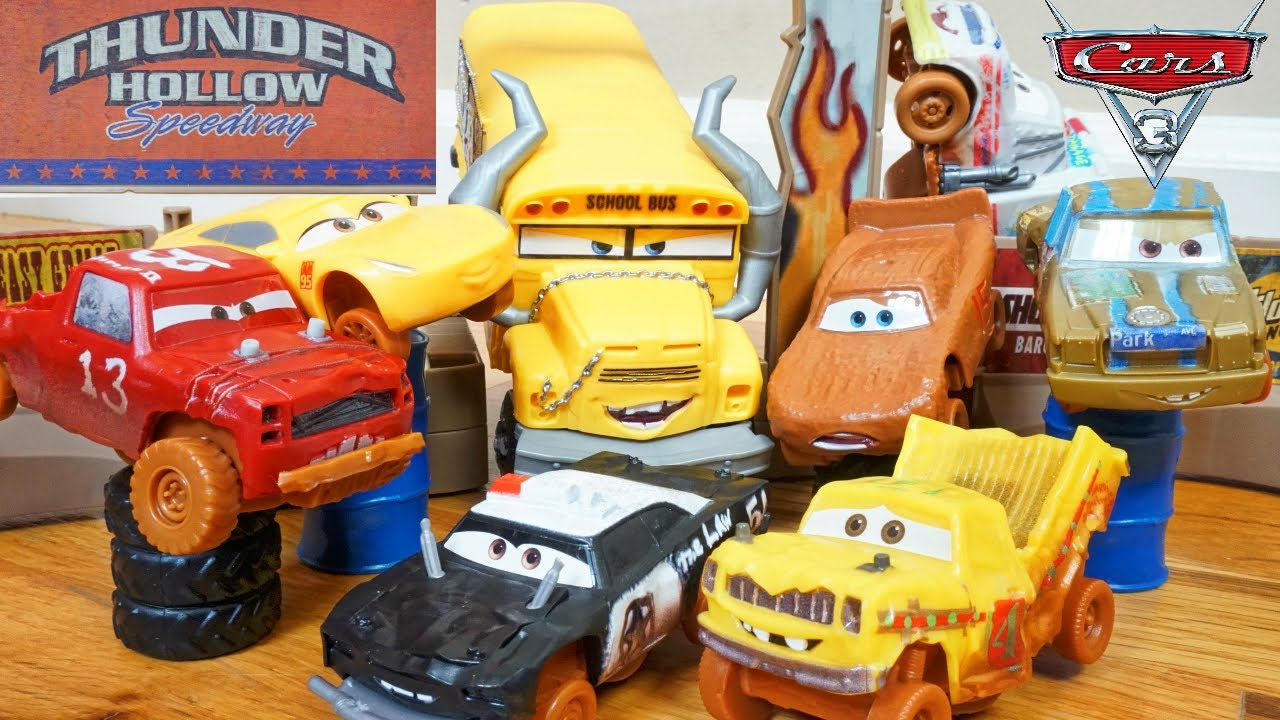 Cars 3 thunder hollow smash and crash wreck race miss fritter funny toy playset lightning cruz - Coloriage cars 3 thunder hollow ...