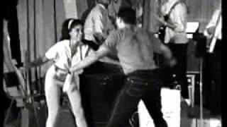 BYRON LEE & THE DRAGONAIRES - JAMAICA SKA.wmv