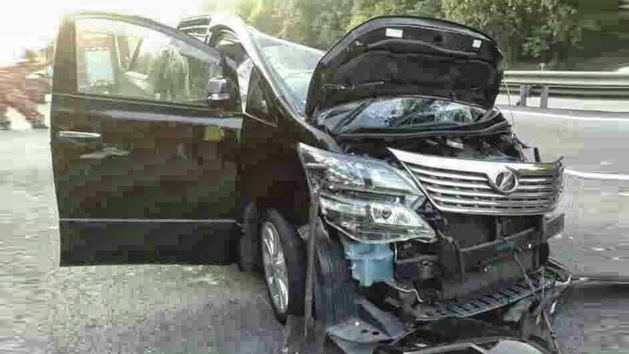 All New Alphard 2016 List Grill Grand Avanza Latest Car Accident Of Toyota Vellfire - Road Crash ...