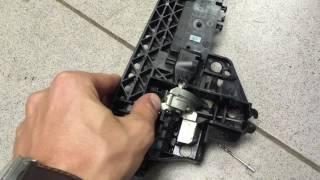 Заедает ручка задней двери (Audi Q5 / A4) - Решение(Небольшая предыстория: У брата Audi A4 2009 года, как купили, залипала ручка задняя левая, но признаюсь, руки не..., 2016-06-23T21:50:23.000Z)