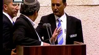 ערוץ הכנסת - אחמד טיבי מוריד מהדוכן את השר אלקין, 21.10.15