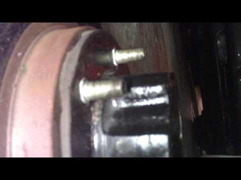 Disc brake conversion on a Dana 25 or 27 Willys Jeep front axle