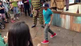 Hip-Hop dance meets tribal Congo music