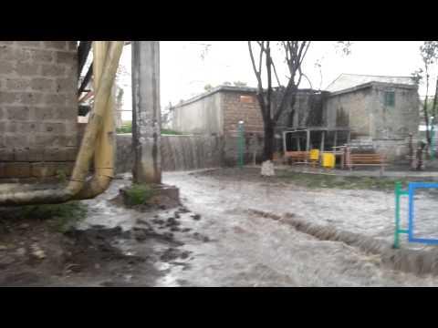 2013 05 19 водопад на улице Башинджагянa 15 квартал Ереван .