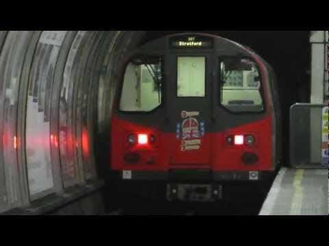 Jubilee Line 1996TS 96074 (Diamond Jubilee Livery) @ Green Park