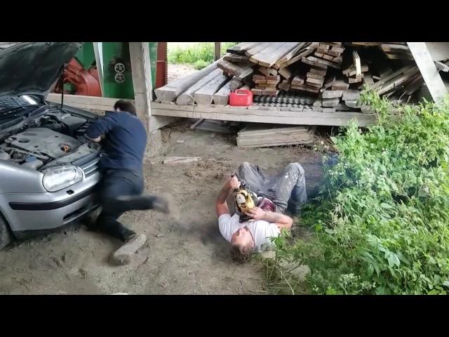 Una pesada broma con una motosierra deja a su amigo en shock
