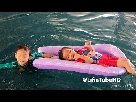 Liburan akhir pekan Lifia Niala ❤ Pool Float Inflatable Air Mattress