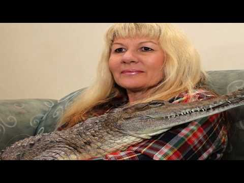 Download Youtube: 6 PEOPLE WITH THE MOST UNUSUAL PETS