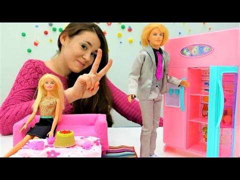 #Кен делает торт для #Барби на 14 февраля День Святого Валентина. Игры для девочек