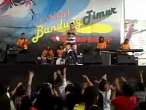 Dangdut ABG Tua Ana deCat - Live 2012