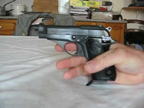 Smontaggio di una Beretta 70, calibro 7,65.