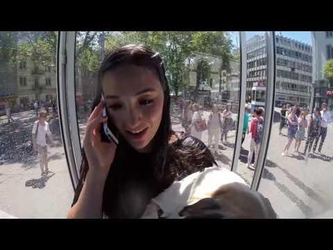 GALAXY S5  Nationalhymne singen in der ersten regnenden Telefonkabine der Welt