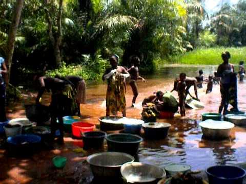 Women bathing, Adjara, Benin