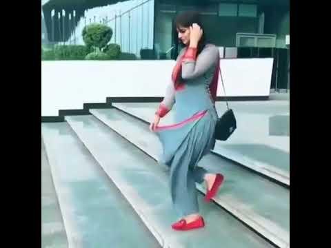 lahore-Lagdi Lahore di aa Jis hisaab naal hasdi aa