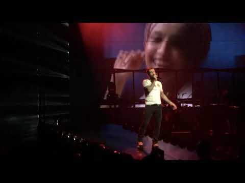Maroon 5 - Girls Like You Ft Cardi B (Live) [Red Pill Blues Tour Washington DC, October 2, 2018]