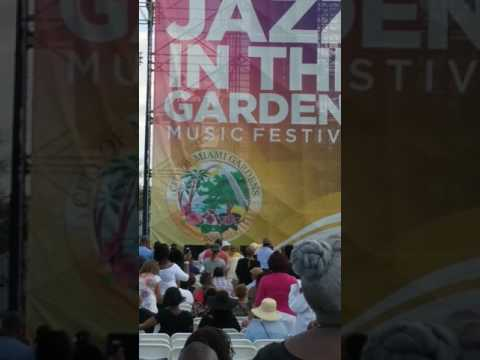 Jazz in the Gardens Miami 2017