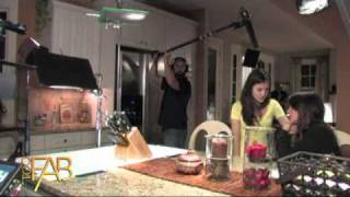 Scream 4 - Behind the Scenes with Lucy Hale and Shenae Grimes