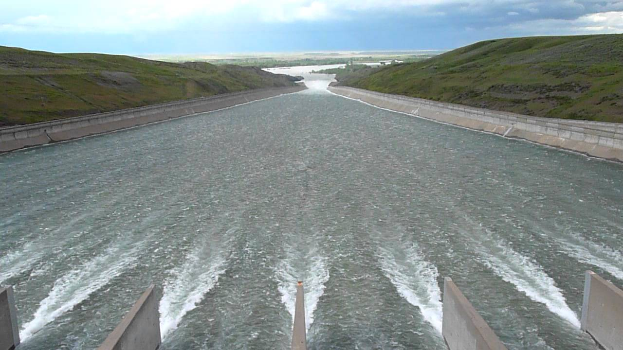 Spillway Release At Fort Peck Dam June 11 2011 Youtube