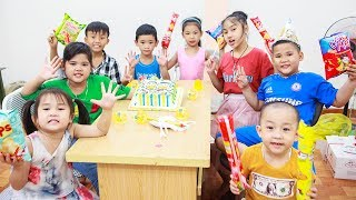 Kids Go To School | Day Birthday Of Chuns Children Make a Birthday Cake In Class