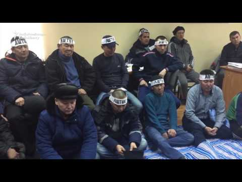 Kazakh Oil Workers Extend Hunger Strike After Union Shut