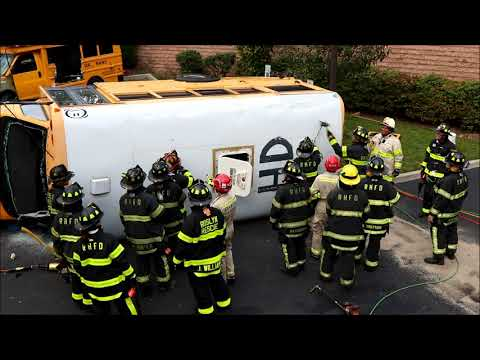 Roslyn School Bus Extrication Drill [10-28-17]