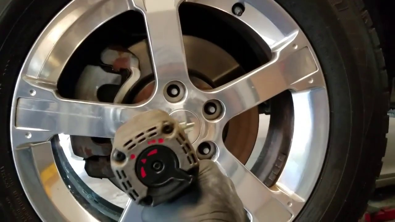 how to change your front brakes on a chevy captiva and equinox youtube. Black Bedroom Furniture Sets. Home Design Ideas