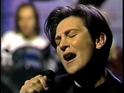 """k.d. lang, """"Constant Craving"""" on Late Night, May 1, 1992"""