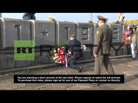 Latvia: Riga marks 70 yrs since liberation at Soviet Army memorial