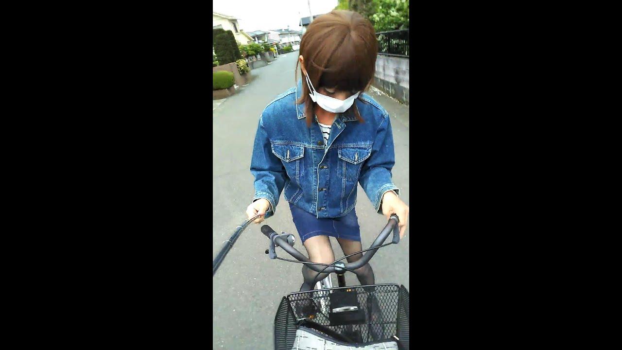 女装 デニムのタイトスカートで自転車に乗りました ジロジロ見られちゃいました