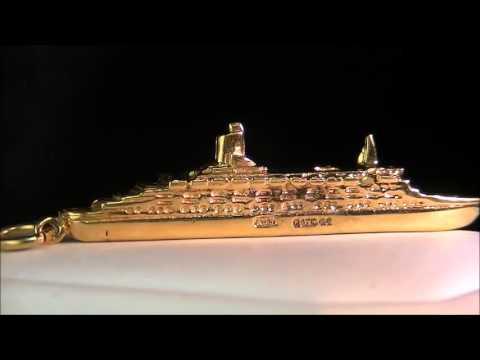9K SOLID GOLD QUEEN ELIZABETH 2 SHIP PENDANT CHARM ~ NO RESERVE