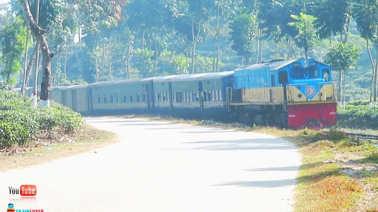Jalalabad Express In a Beautiful Curve || Chittagong Sylhet Train In a Beautiful Tea garden