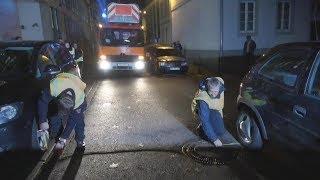 Testfahrt der Feuerwehr wegen Falschparker in der Bonner Altstadt am 24.11.17 O-Töne