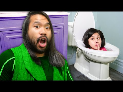 TOILET WILL NOT FLUSH! Playing Roblox Piggy IRL vs Extreme Hide N' Seek - Vy Qwaint
