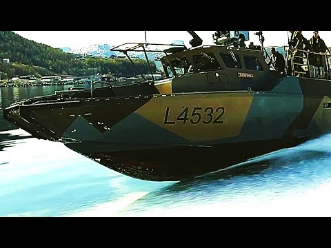JUMPING from a SPEED BOAT! MARINES and Norwegian COMMANDOS train with CB90 FAST ASSAULT CRAFT!