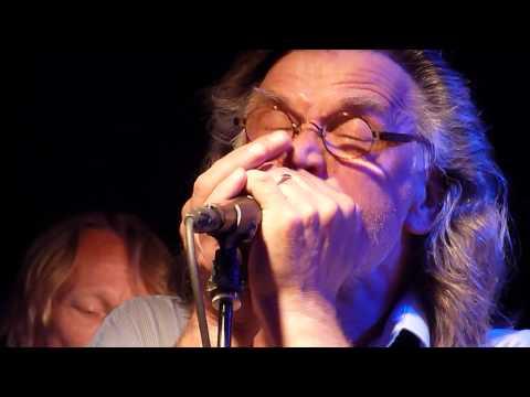 Hoochie Coochie Man - SF Blues, Dave Lindholm vocals, Pepe Ahlqvist harmonica@Viikinsaari, Tampere